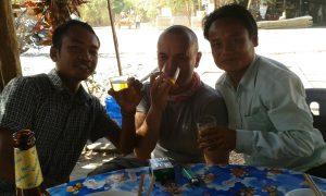 fare amicizia in laos viaggio in laos zingaro di macondo