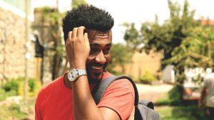 africano sorridente zingaro di macondo