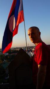 bandiera laos viaggio in laos zingaro di macondo