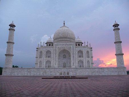 Taj Mahal storia e leggenda del mondo zingaro di macondo