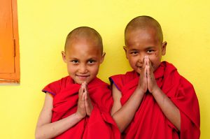 Bambini monaci buddhisti Zingaro di Macondo